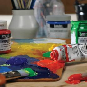 Liquitex SB Paint Set lifestyle